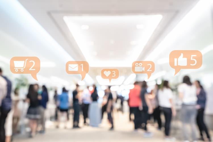بررسی بازخورد استراتژی بازاریابی شبکه های اجتماعی